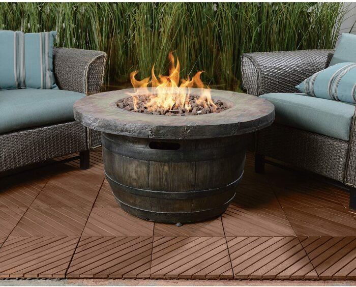 Вечером приятно отдыхать, неспешно смакуя вино и глядя на огонь. /Фото: images-na.ssl-images-amazon.com