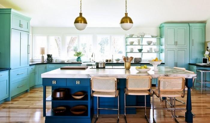 Спокойная цветовая гамма — актуальное решение для обновления кухни. /Фото: goldenplaza.com.ua