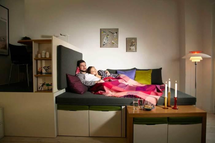 Мебель легко трансформируется, превращая комнату в спальню. /Фото: maarja.marga.ee