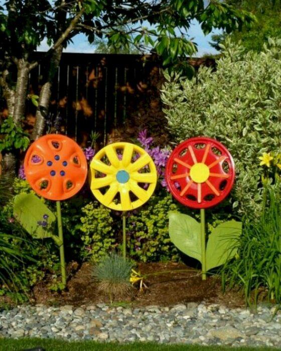 Практически что угодно может превратиться в украшение сада. /Фото: i1.wp.com