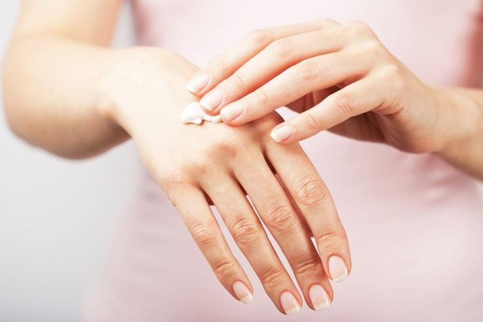 Крем для рук имеет особый состав. /Фото: wlooks.ru