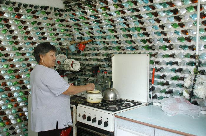 «Шампанская избушка» в Челябинской области. /Фото: www.ruffnews.ru
