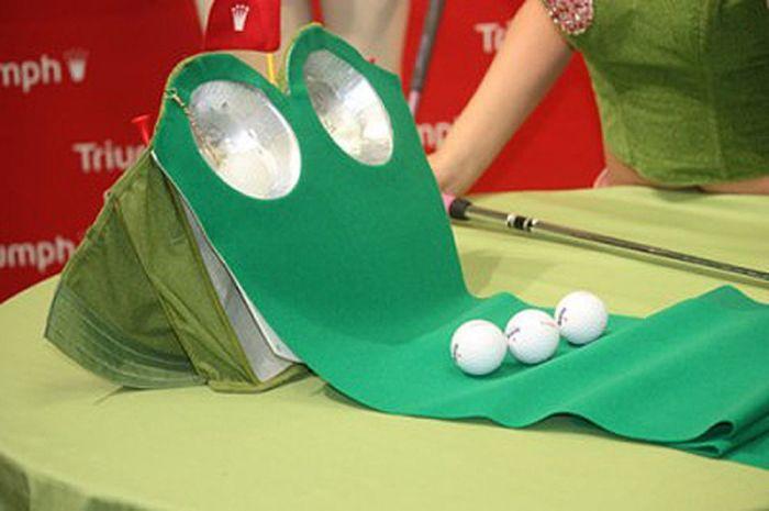 Бюстгальтер превращается, превращается….в гольф. /Фото: cnet1.cbsistatic.com