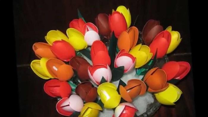 Букет из тюльпанов. /Фото: i.ytimg.com