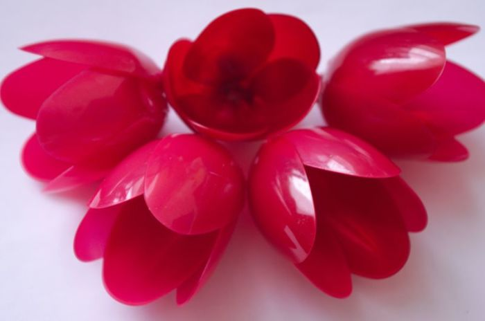 Тюльпаны из ложек./Фото: www.radugamaster.ru