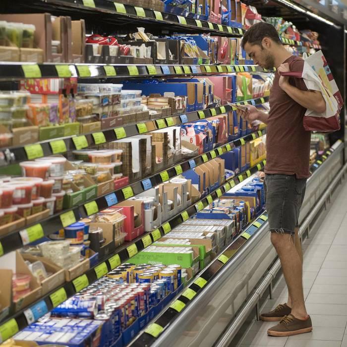 Не позволяйте мнимой выгоде заставить себя потратить больше. /Фото: firenewsfeed.com