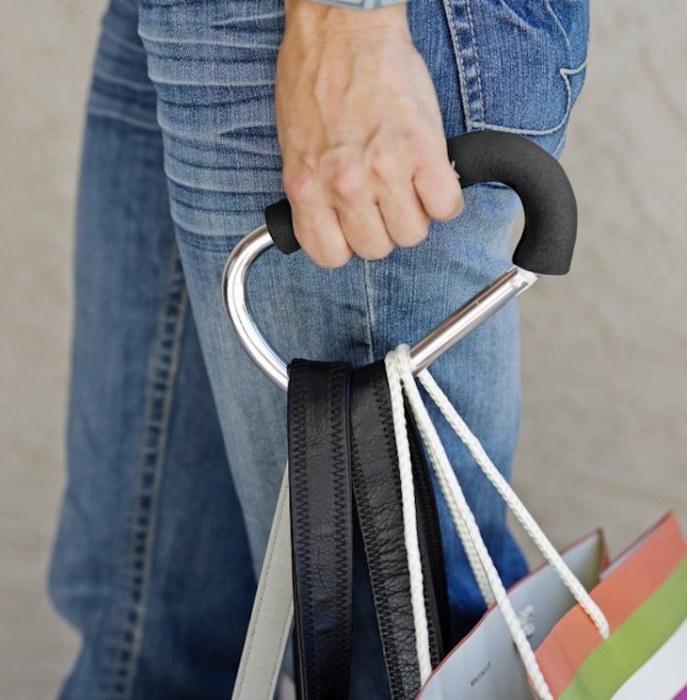 С карабином ручки пакетов не будут врезаться в ладонь. /Фото: ins.bles.com