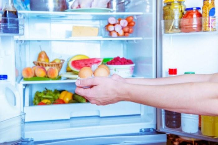 Отправлять в холодильник все подряд — не лучшая идея. /Фото: journal.avers3.com