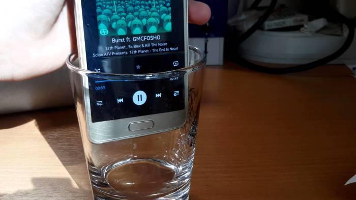 Наполнить комнату звуками музыки легко. /Фото: i.ytimg.com