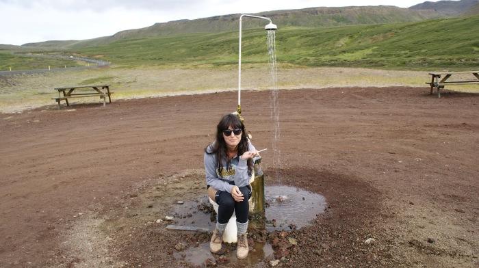 Туалет прямо посреди открытого поля. /Фото: 4.bp.blogspot.com