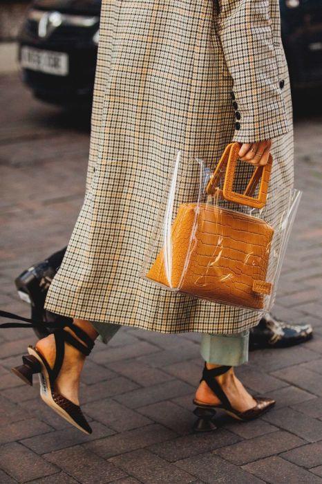Пластиковый чехол. /Фото: i.pinimg.com