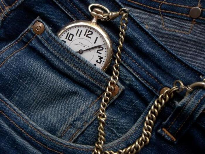 Первый дополнительный карман маленького размера был замечен на джинсах от Levi's в 1873 году. /Фото: i2.wp.com