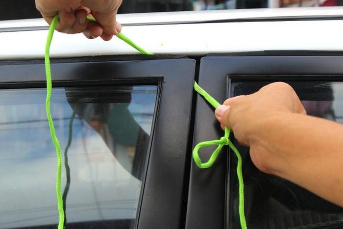 Избежать неловкой ситуации поможет обычный шнурок. /Фото: top-n.ru