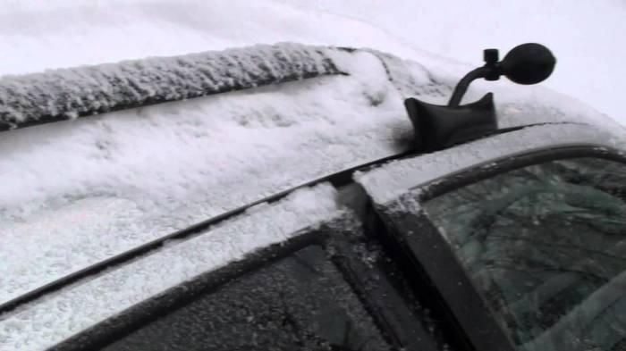 Открытие дверей с помощью надувной подушки. /Фото: i.ytimg.com