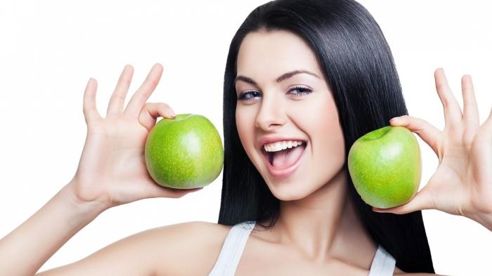 Едим полезные ягоды и фрукты. /Фото: fashionlab.pro