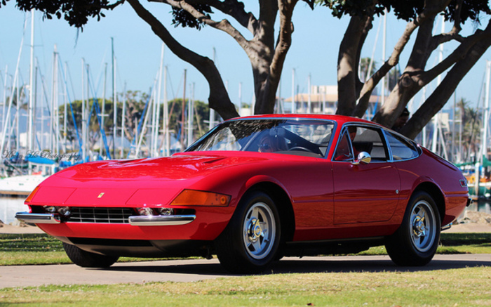 Автомобиль стал ответом Ferrari на модель Miura от конкурентов из Lamborghini. | Фото: topworldauto.com