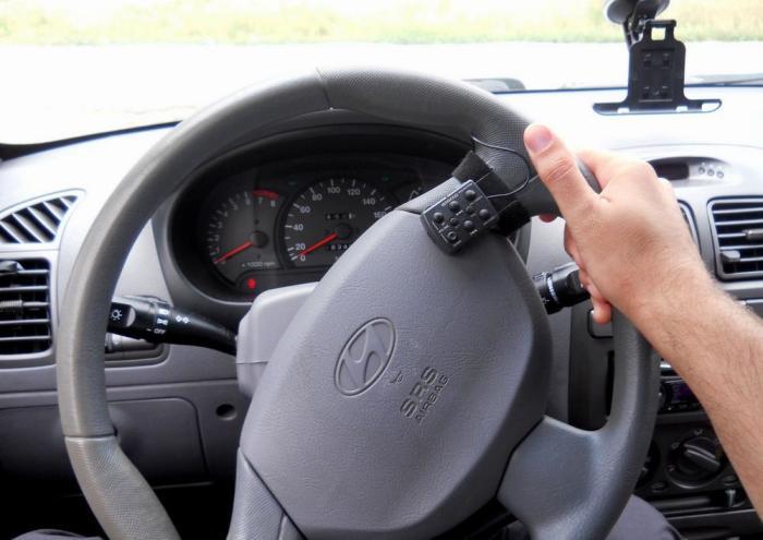 На машинах с гидроусилителем руль может «прикусывать». | Фото: tdiesel.ru