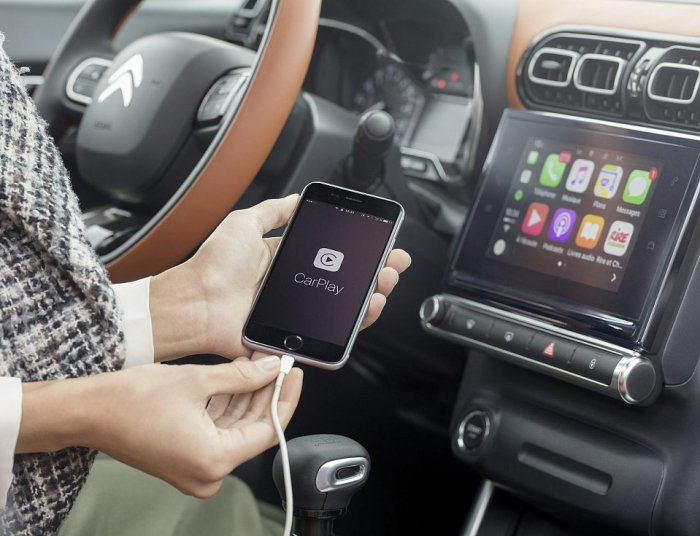 Возможность выхода в интернет в своем автомобиле. | Фото: g.denik.cz