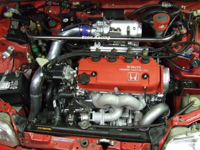 Двигатели D-series способны раскручиваться до 7 тыс. об/мин, обладая при этом ресурсов в 350-400 тысяч километров без капремонта.