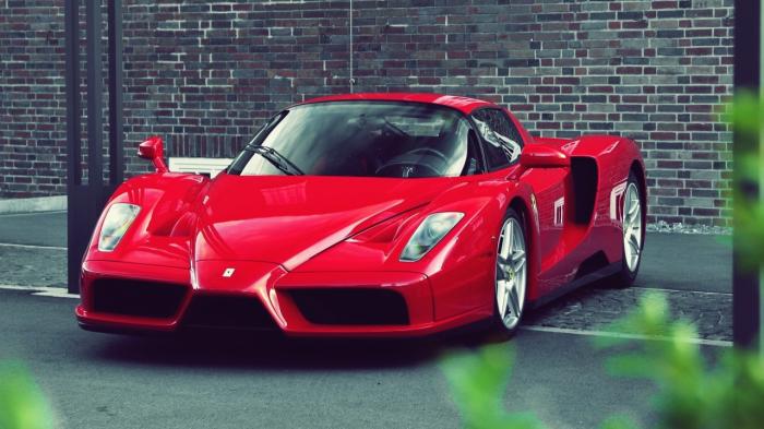 Если Ferrari, то только красная. | Фото: novoboi.ru