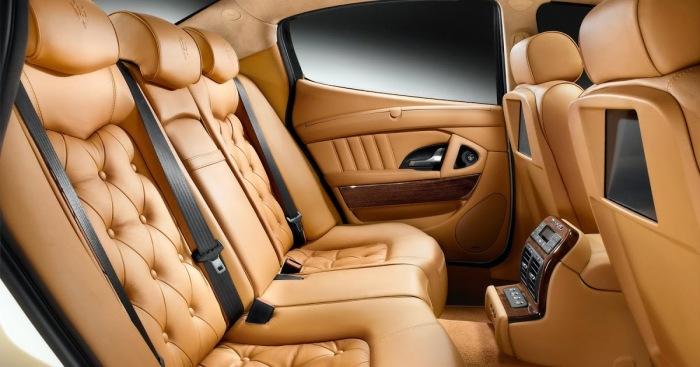 Кожаный салон в новом автомобили выглядит презентабельно и дорого. | Фото: blogspot.com