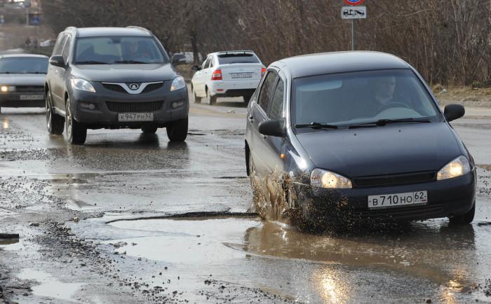 Водители, сами того не понимая, подвергают свою подвеску сумасшедшим нагрузкам в том месте, где этого можно было бы избежать.  Фото: infocar.ua