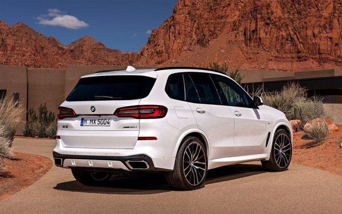 Сзади в новом X5 можно узнать кого угодно, только не автомобиль баварской марки.