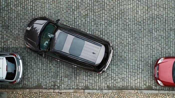 Чтобы научиться парковаться быстро и уверенно - нужны тренировки. | Фото: i.ytimg.com