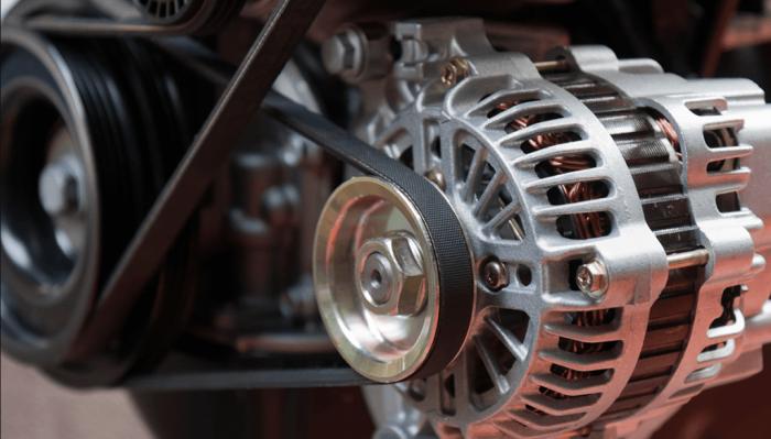 Неисправный генератор может стать причиной повышенного износа батареи. | Фото: 1km.by