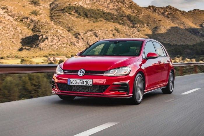Сегодня Volkswagen Golf GTI выпускается в уже VII поколении.   Фото: infocar.ua