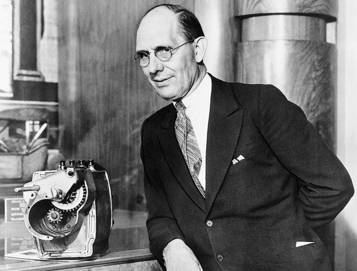 В 1911 году Чарльз Кеттеринг, изобрел первый электрический стартер. | Фото: peoples.ru