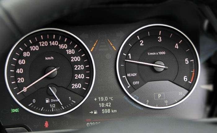 При понижении передачи нужно уравнивать обороты двигателя и КПП. | Фото: autocentre.ua