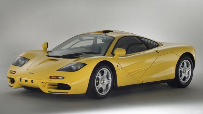 McLaren F1  ставил рекорды скорости еще в 90-е годы. | Фото: autoblog.com