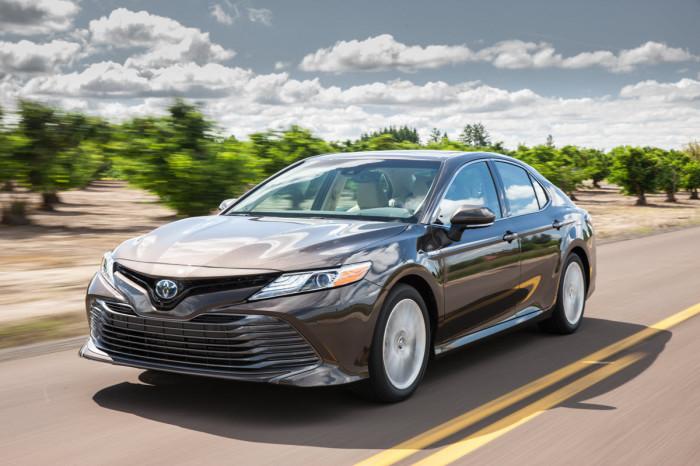 Именно благодаря модели Camry «Тойота»  имеет имидж марки, которая производит выносливые и надежные машины.