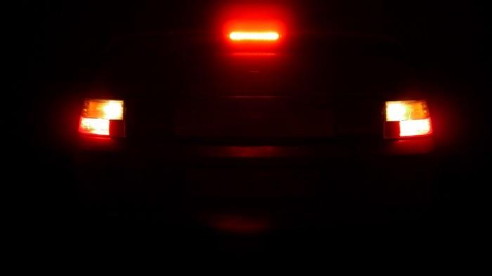 Работоспособность стоп-сигналов нужно периодически проверять. | Фото:  a.d-cd.net