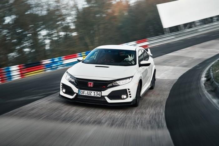 Type R последнего поколения – это самый быстрый переднеприводный автомобиль на трассе Нюрбургринг.   Фото: autoreview.ru