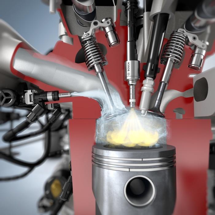 При попадании в цилиндры двигателя, топливо сжимается поршнем и воспламеняется от свечи зажигания. | Фото: milanoautoclassica.com