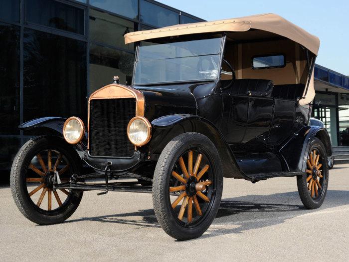 Ford Model T простоял на конвейере 19 лет - с 1908 по 1927 год.