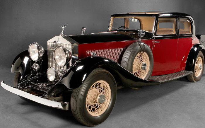 Автомобили марки Rolls-Royce чертовски надежны. | Фото: walldiskpaper.com