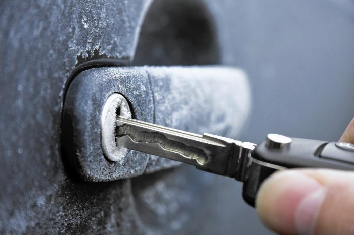 Проблемы с замками на морозе характерны больше для старых авто. | Фото: a.d-cd.net
