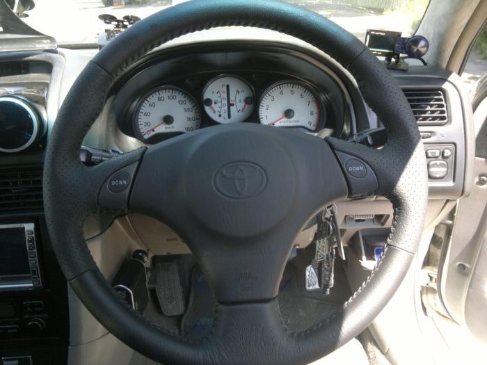 Молодых водителей может напугать то, что руль не разблокируется после того, как ключ был вставлен. | Фото: a.d-cd.net