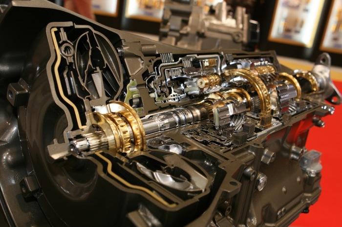 АКПП имеют очень сложную конструкцию. Фото: автосервис-тушино.рф