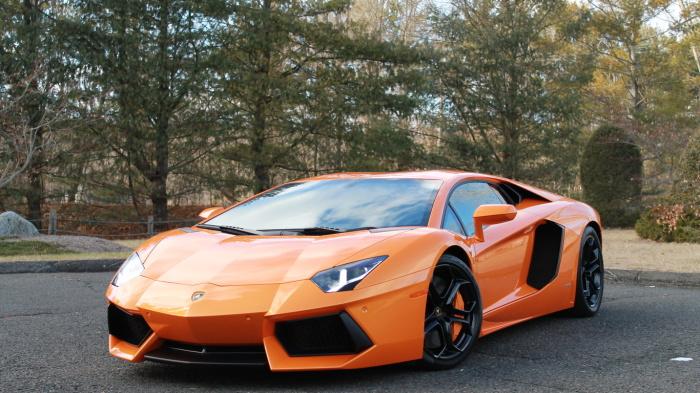 Lamborghini Aventador  – это настоящее воплощение всего «суперкаровского». | Фото: i.ytimg.com