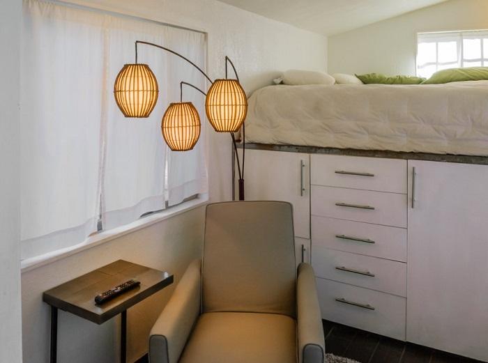 Так выглядит спальня и многофункциональная кровать Мейси.