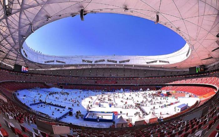 Из-за нехватки стали от сдвигаемой крыши пришлось отказаться (National Stadium, Пекин). | Фото: vertaki.com.ua.