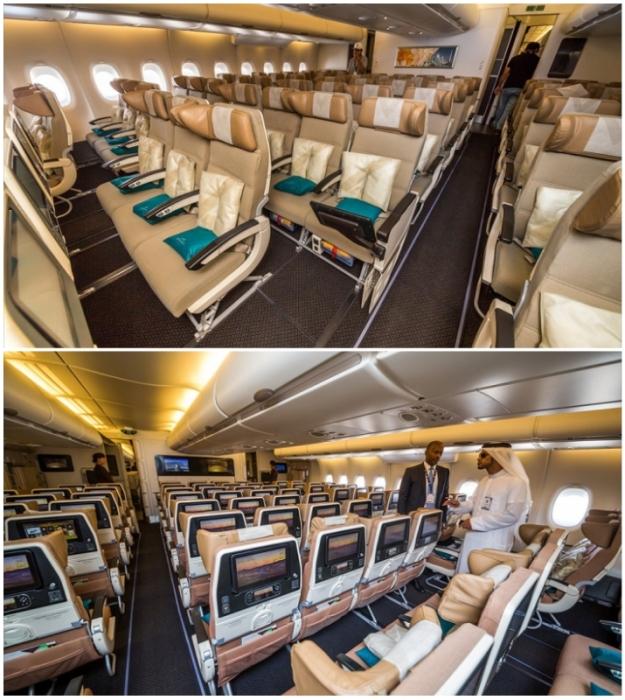 В эконом-классе более удобные кресла и расстояния между ними увеличены (Airbus А-380 Etihad).