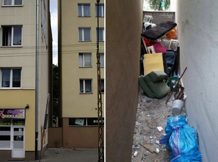 Раньше между домами была стихийная свалка для мусора (Keret House, Варшава).