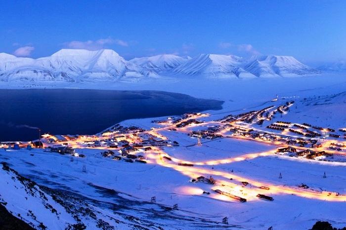 Арктический оазис города Лонгйир (Норвегия).