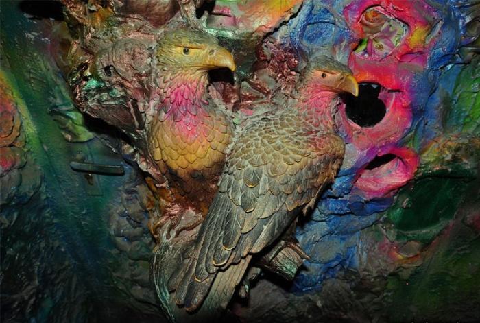 Гордые птицы очевидно недовольны снующими посетителями (Киев, Троещина).   Фото: varlamov.ru.