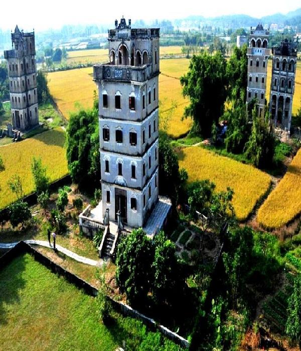 На юге Китая осталось около 1800 многоэтажных личных крепостей дяолоу (Кайпин, Китай). | Фото: tourpedia.ru.